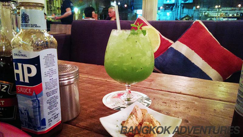 Kiwi Cocktail at Snapper Bangkok