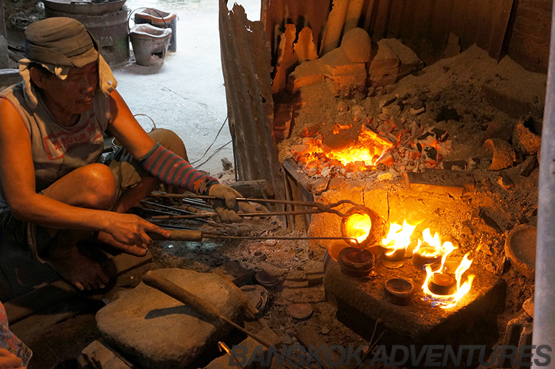 Artisan bowl making on the Just Nok bike tour of Bangkok