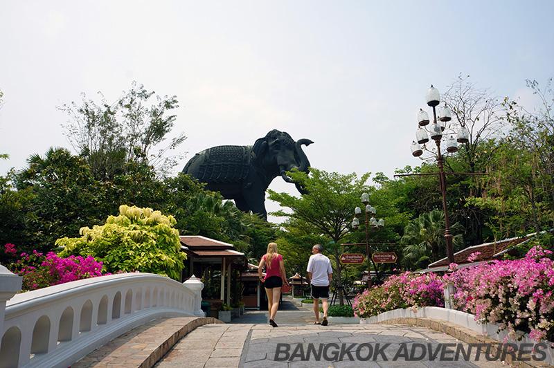 Entrance to Erawan Museum, Bangkok