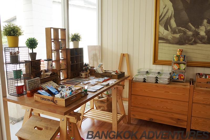 Cataholic Cat Café in Bangkok